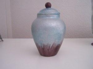 Pot en verre peint
